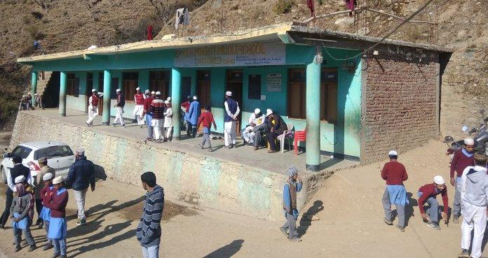 चंद्रेड गाँव का अनूठा विद्यालय