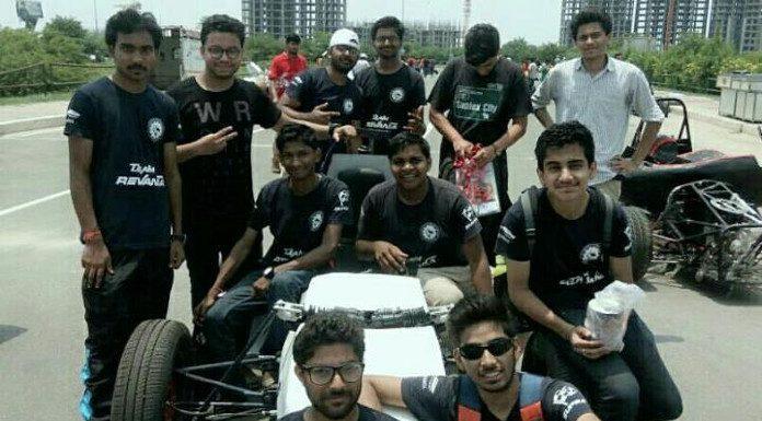 टीम रेवंत अपनी फॉर्मूला कार के साथ